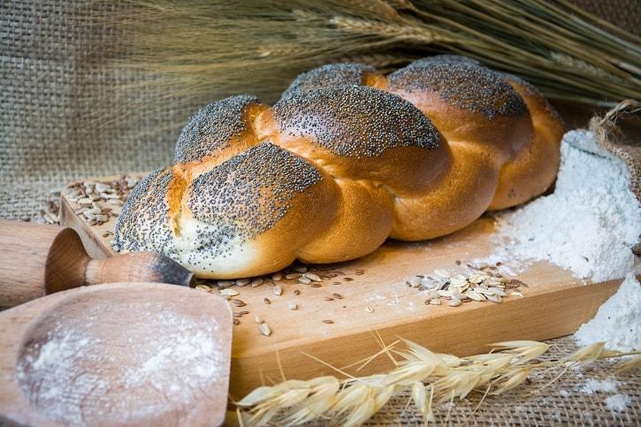 brutaresti-paine-cu-mac