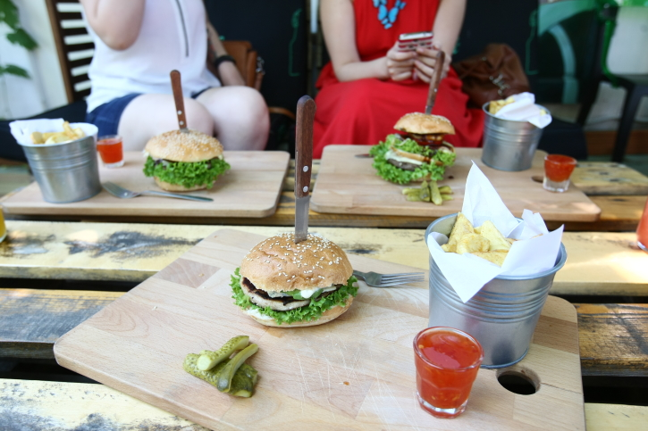 Burger Blue Cheese Modelier