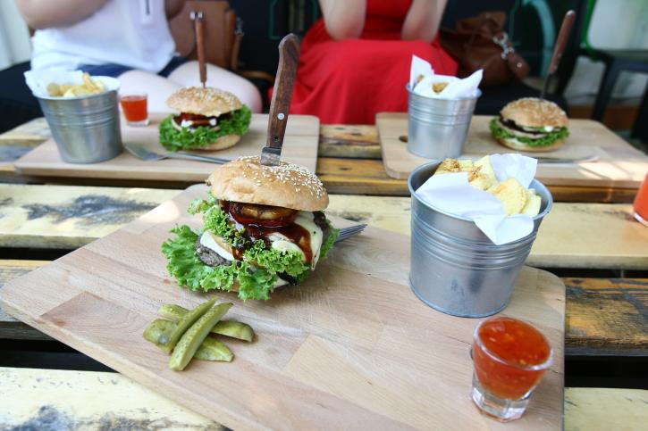 Burger Godzilla Modelier Yumstops