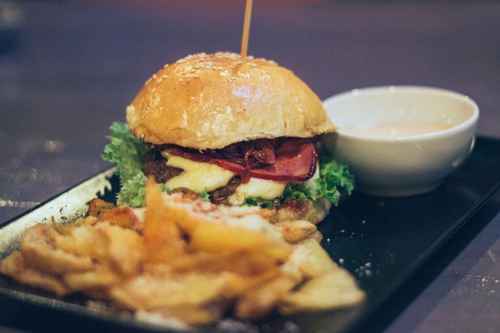 Burger Uncle John - Old Brick Pub