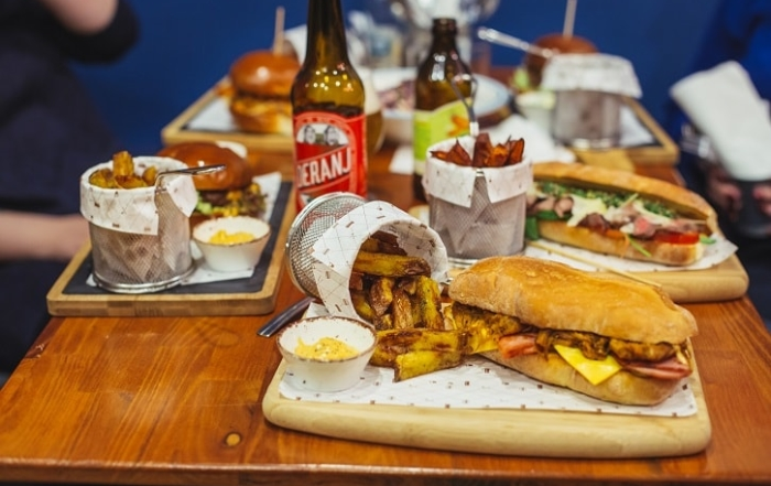 Burger Van Home Recenzie Yum Stops