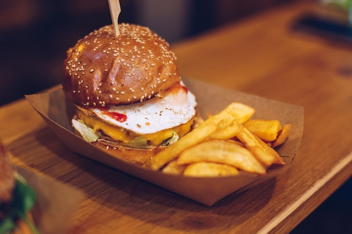 Burgeria Stirbei Golden Chicken Burger