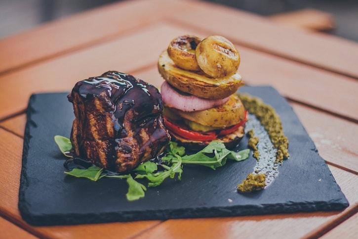 count-dracula-bloody-steak-casa-tiff