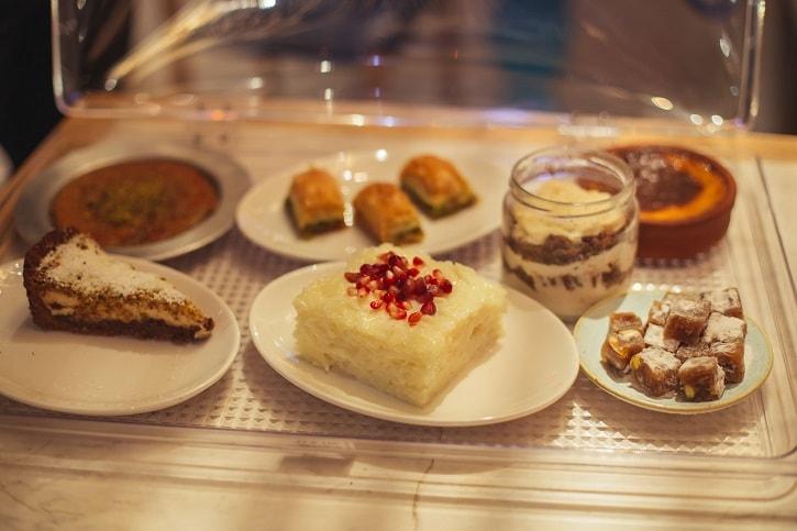 Divan Barbu Vacarescu Dessert Heaven