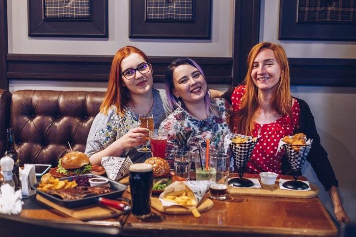Kilkenny Irish Pub Echipa Yum Stops