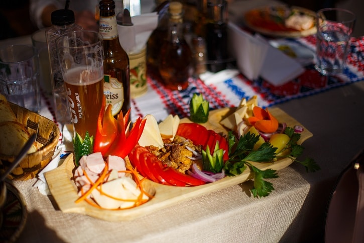 La Han la Traian Platou Rece Restaurant Romanesc