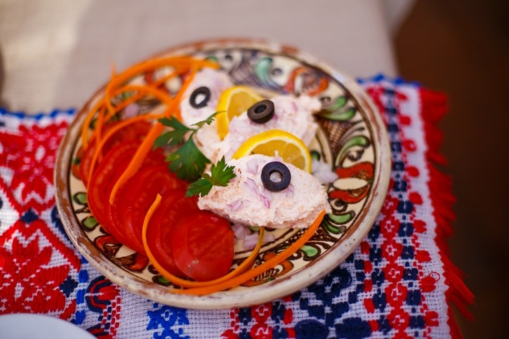 La Han la Traian Salata de Icre