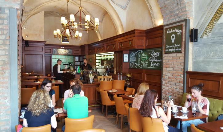 Olivo Caffe Interior Review