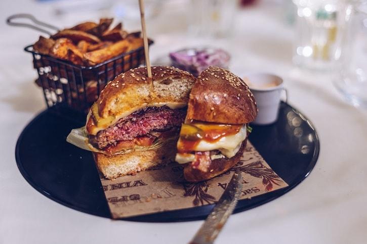 Restaurant Trei Burger Mare