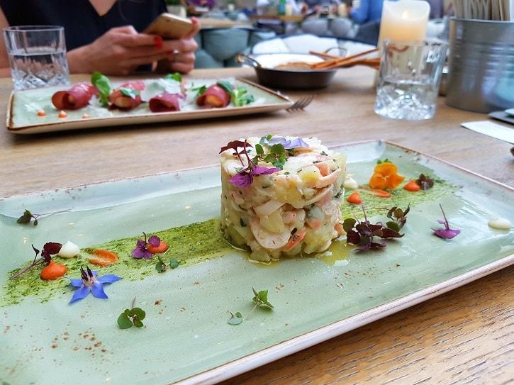 Salata Caracatita Poesia Bucuresti