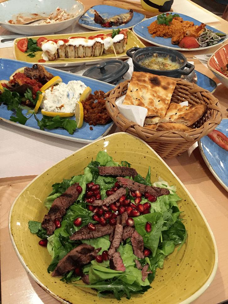 Salata Divan Meniu nou