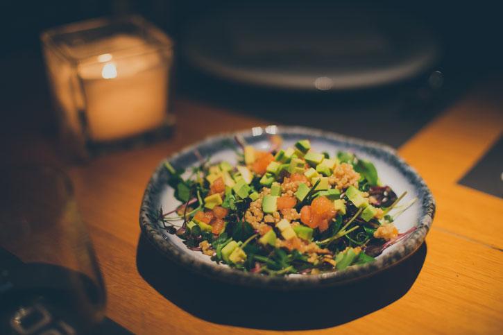 Salata cu quinoa si micro-plante