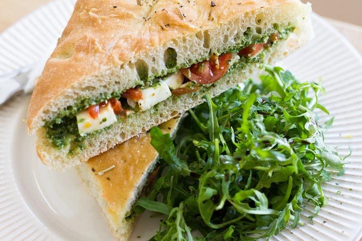 Sandwich Caprese Arome Recenzie