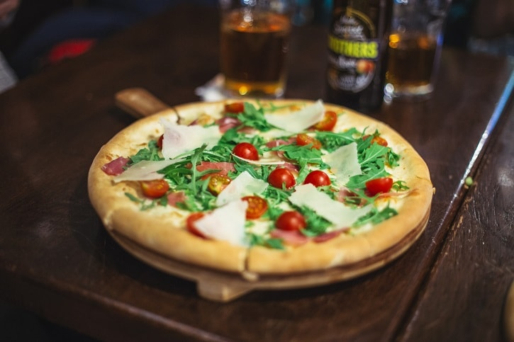 St. Patrick Irish Pub Pizza Rucola