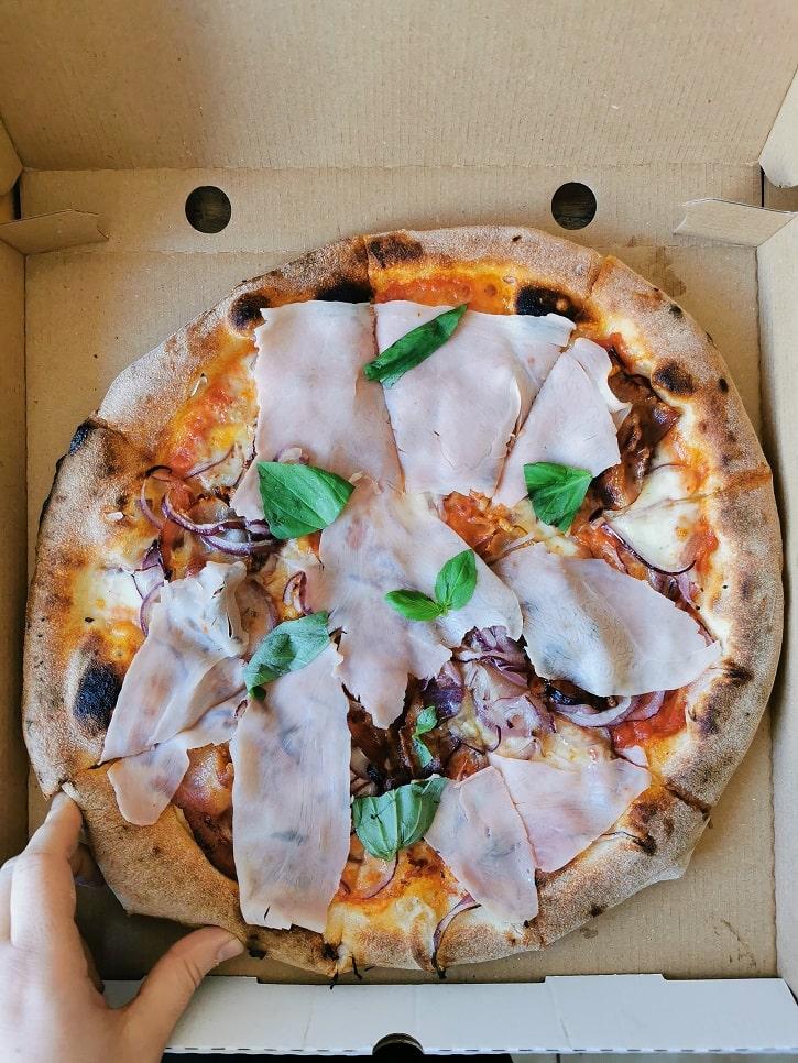 3 Il pizzaiolo pizza napoletana