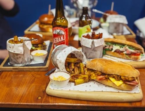 Burgerii Au Casă Nouă: Burger Van Home
