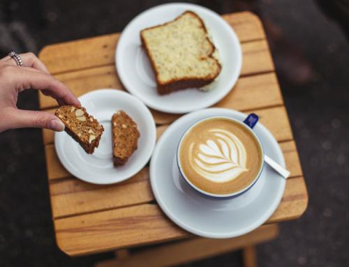 Two Minutes: Cafea Bună și Oameni Mișto