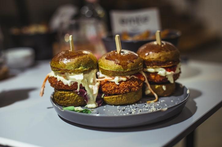 Emte Restaurant Easy Chicken Burgers