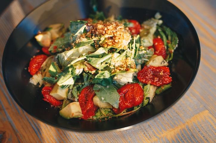 Funky Lounge Herăstrău Salată Quinoa cu Smochine Marinate