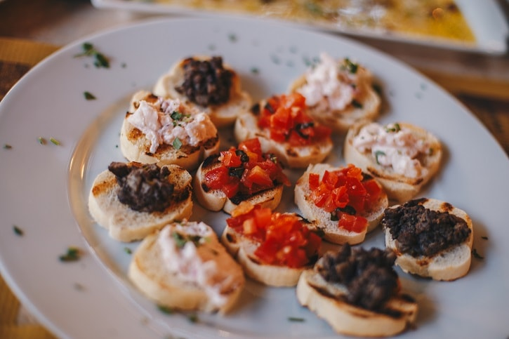 Gastronomika Crostini Fegatini Rosii Icre
