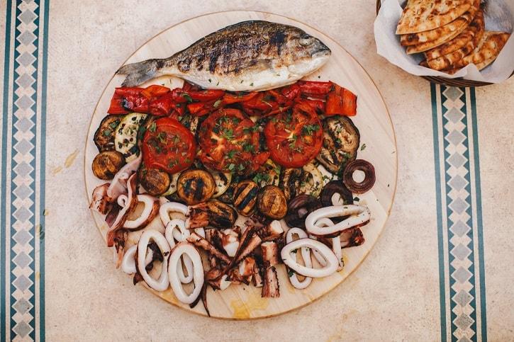 Gastronomika Platou Dorada Caracatita Calamar
