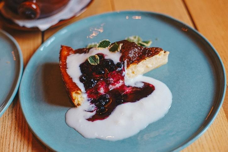Hochmeister Sibiu alivanca cu iaurt si gem de casa