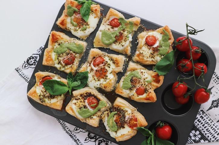 Oua-Ochiuri-Foietaj-Rosii-Cherry-Pesto