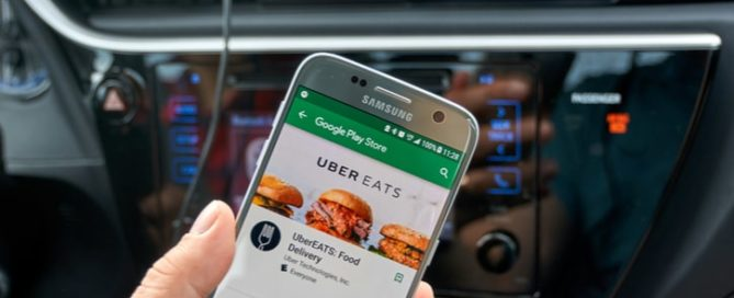 Uber Eats aplicatie Bucuresti